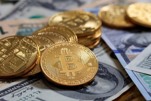 Популярность криптовалют растет: инвесторы ринулись за биткоином