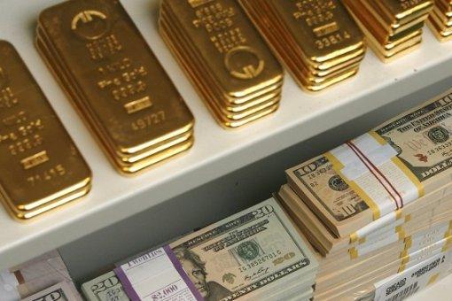 Золото превышает доллары в российских резервах, поскольку правительство делает упор на дедолларизацию