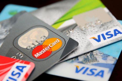 CoinEx позволит совершать крипто-покупки с кредитными картами Visa или Mastercard