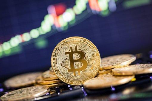 Цена биткоина мгновенно выросла на 400 долларов, подняв стоимость до 6,300 долларов