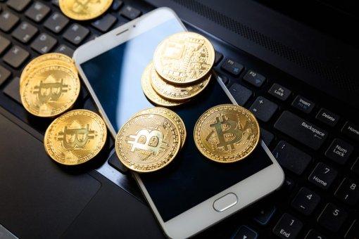 Эксперты рассказали, какие криптовалюты стоит покупать немедленно