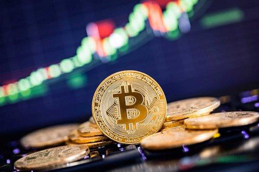 Рост курса биткоина может быть связан с обрушением основных финансовых рынков