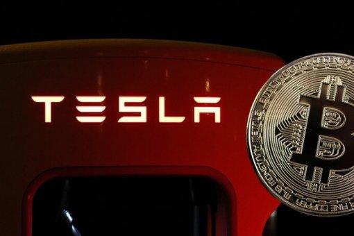"""Tesla возобновит принимать биткоин в качестве оплаты, как только майнеры станут на 50% """"зелеными"""""""