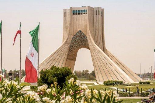 Иран запускает государственный стейблкоин и переводит все платежи на крипториал