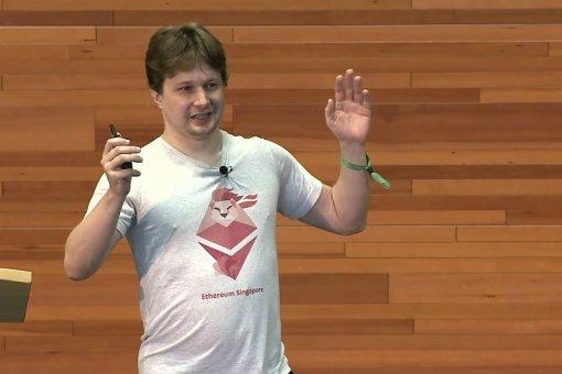 Разработчик ETH Вирджил Гриффит вернулся в тюрьму после того, как якобы проверил учетную запись Coinbase