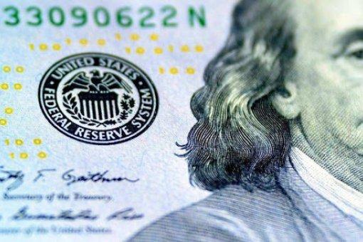 Чарльз Хоскинсон сравнивает доллар с мошеннической криптовалютой Onecoin
