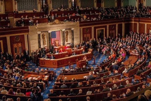 Законодатели США пытаются объявить стейблкоины незаконными без федерального разрешения